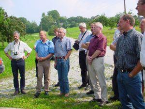 Bürgermeister a.D. Mag. Hans Heuras und Gemeinderäte bei der Besichtigung in der Steiermark